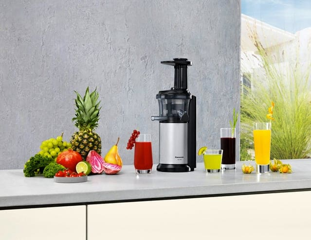 Panasonic Slow Juicer Mj L500 Test : Panasonic Slow Juicer MJ-L500, l estrattore di succo che non intacca le proprieta nutritive ...