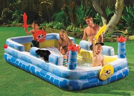 Piscine gonfiabili per bambini un parco giochi acquatico for Piscine gonfiabili per bambini
