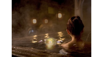 Floating aroma lantern la lanterna galleggiante con - Candele da bagno ...