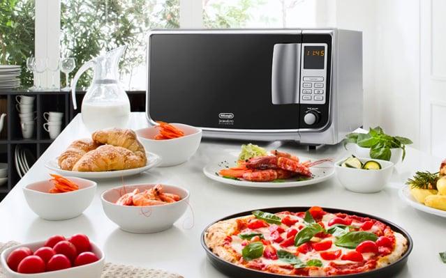 De 39 longhi sfornatutto microwave mw30fsr cucinare non e for Cucinare anni 70