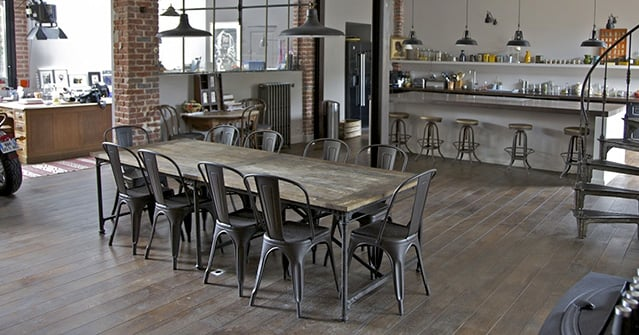 Sedia tolix a l 39 icona del design industriale con 80 anni for Bar stile industriale